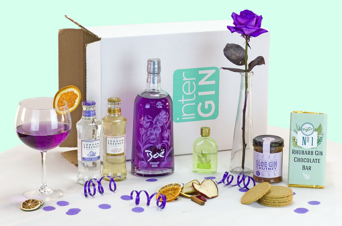 Example 2: A wonderful example of a colour coordinated gin gift with a fresh purple rose.